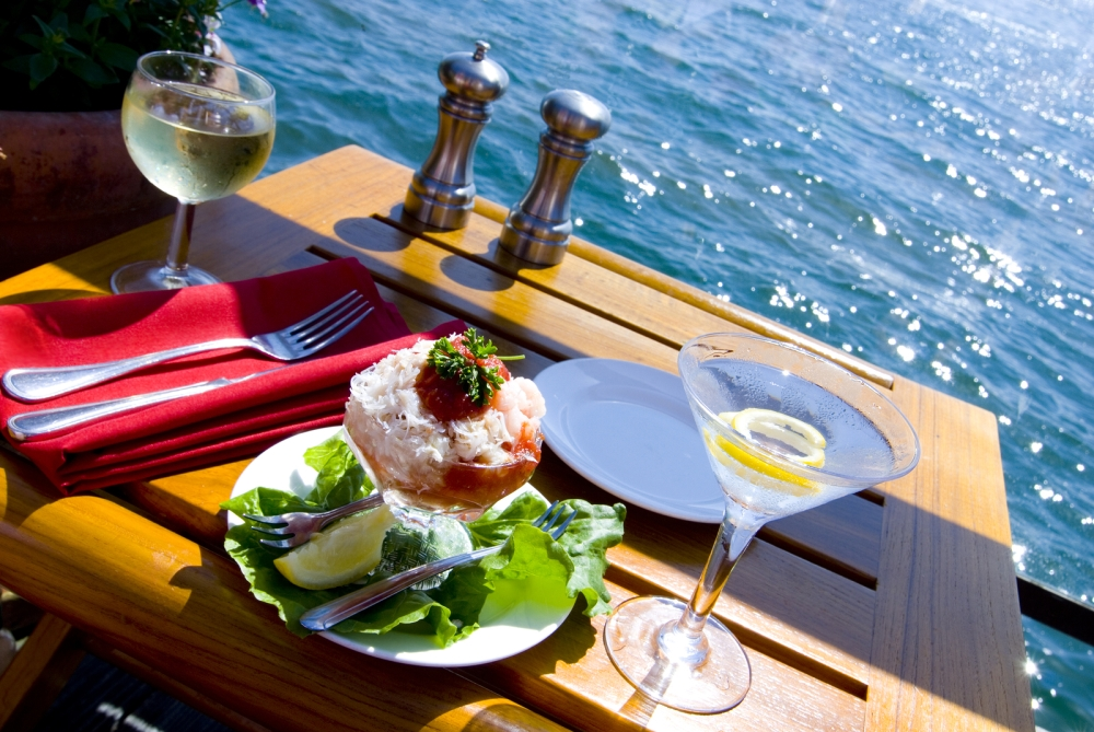 bigstock-Fine-Dining-On-The-Water-2267988