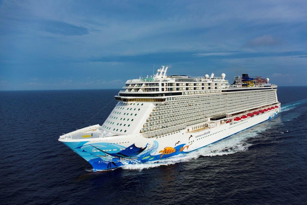 Norwegian Escape na širém moři.