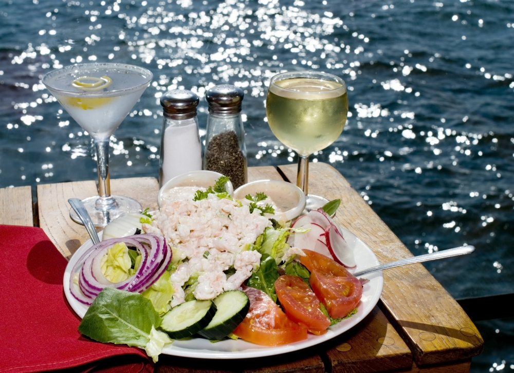 bigstock-Fine-Dining-On-The-Water-2267839
