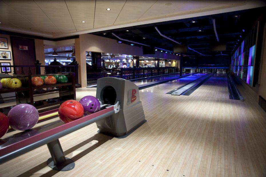 Norwegian Epic - Norwegian Cruise Lines - bowling na lodi