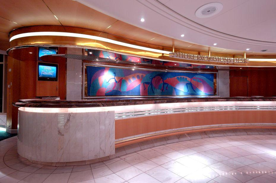 Enchantment of the Seas - Royal Caribbean International - recepce na lodi