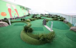 Liberty of the Seas - Royal Caribbean International - mini golf