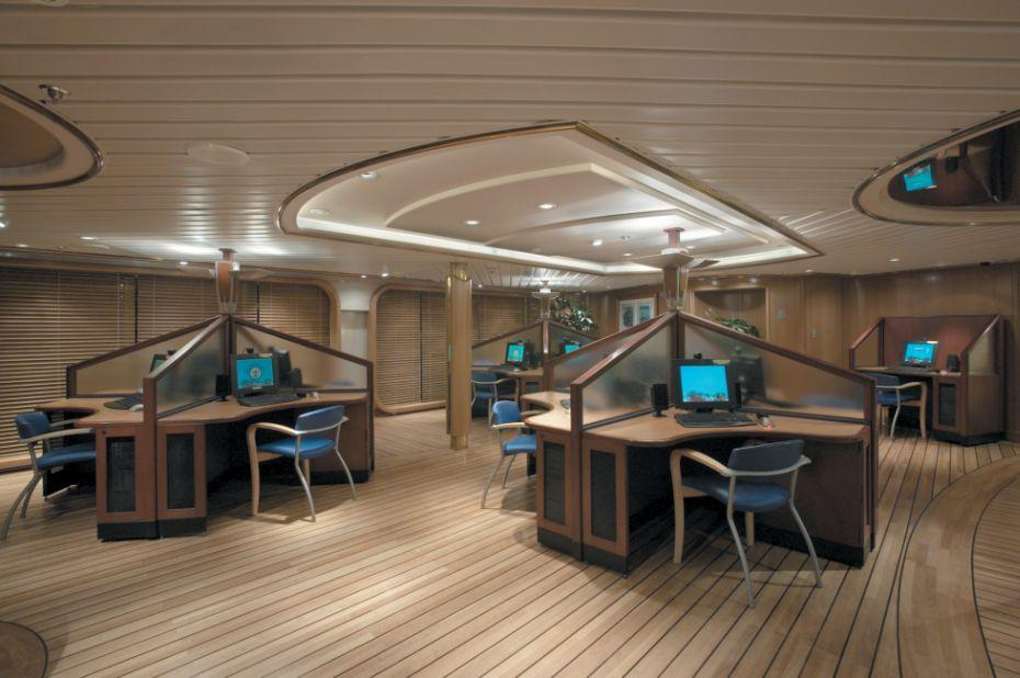 Vision of the Seas - Royal Caribbean International - stolky s PC na lodi