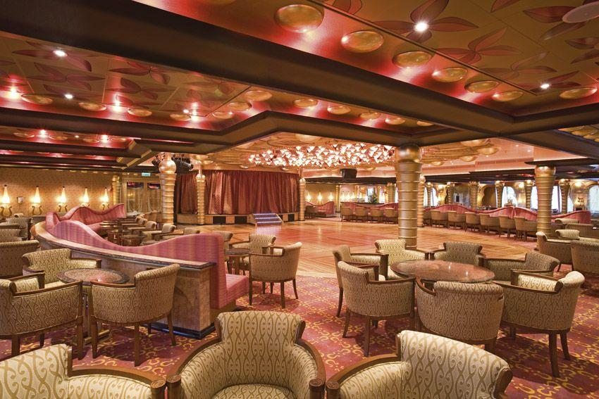 Costa Serena - Costa Cruises - Apollo Grand bar a taneční prostor